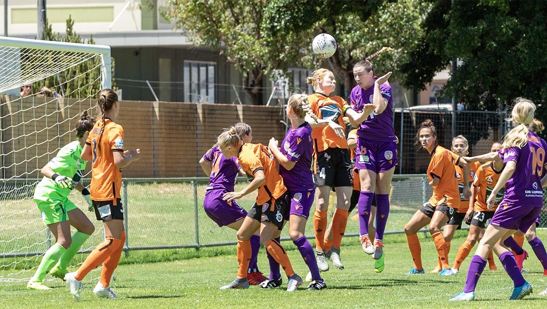 W-League-Glory-v-Brisbane-Morgan-Andrews-heads-home-cropped