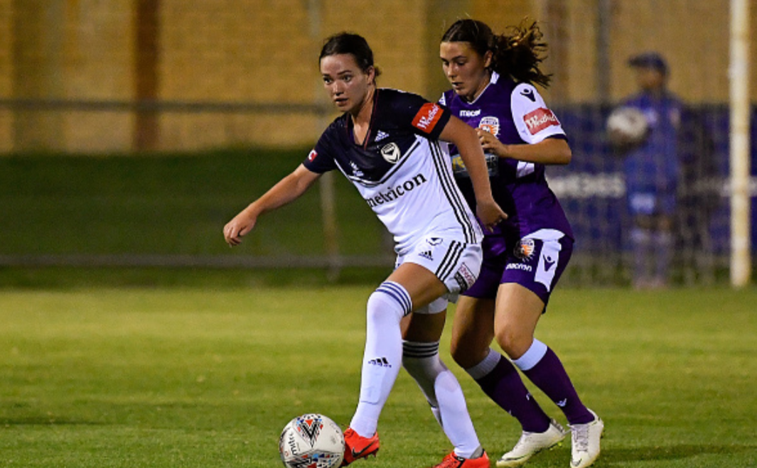 Grace Maher Returns. PERTH, AUSTRALIA - FEBRUARY 01: Grace Maher of the Victory looks to pass the ball during the round 14 W-League match between the Perth Glory and the Melbourne Victory at Dorrien Gardens on February 01, 2019 in Perth, Australia. (Photo by Stefan Gosatti/Getty Images)